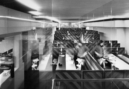 Oscar tusquets blanca arquitecto comercios e for Colaboradores espejo publico hoy